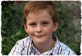 Улыбающийся 11-летний мальчик