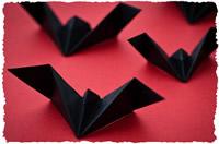 Готовая подделка (оригами) – летучая мышь