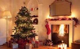 Подарки, ёлка, камин – все атрибуты Нового Года