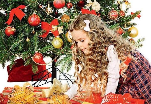 Выбор новогоднего подарка ребенком